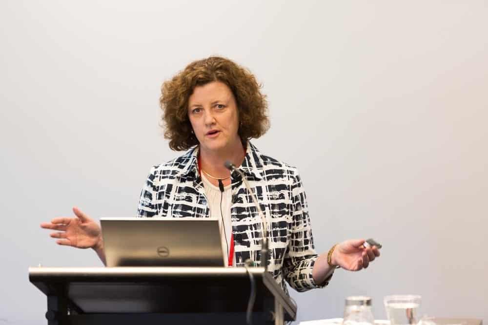 Liz Moran - Investing in Bonds